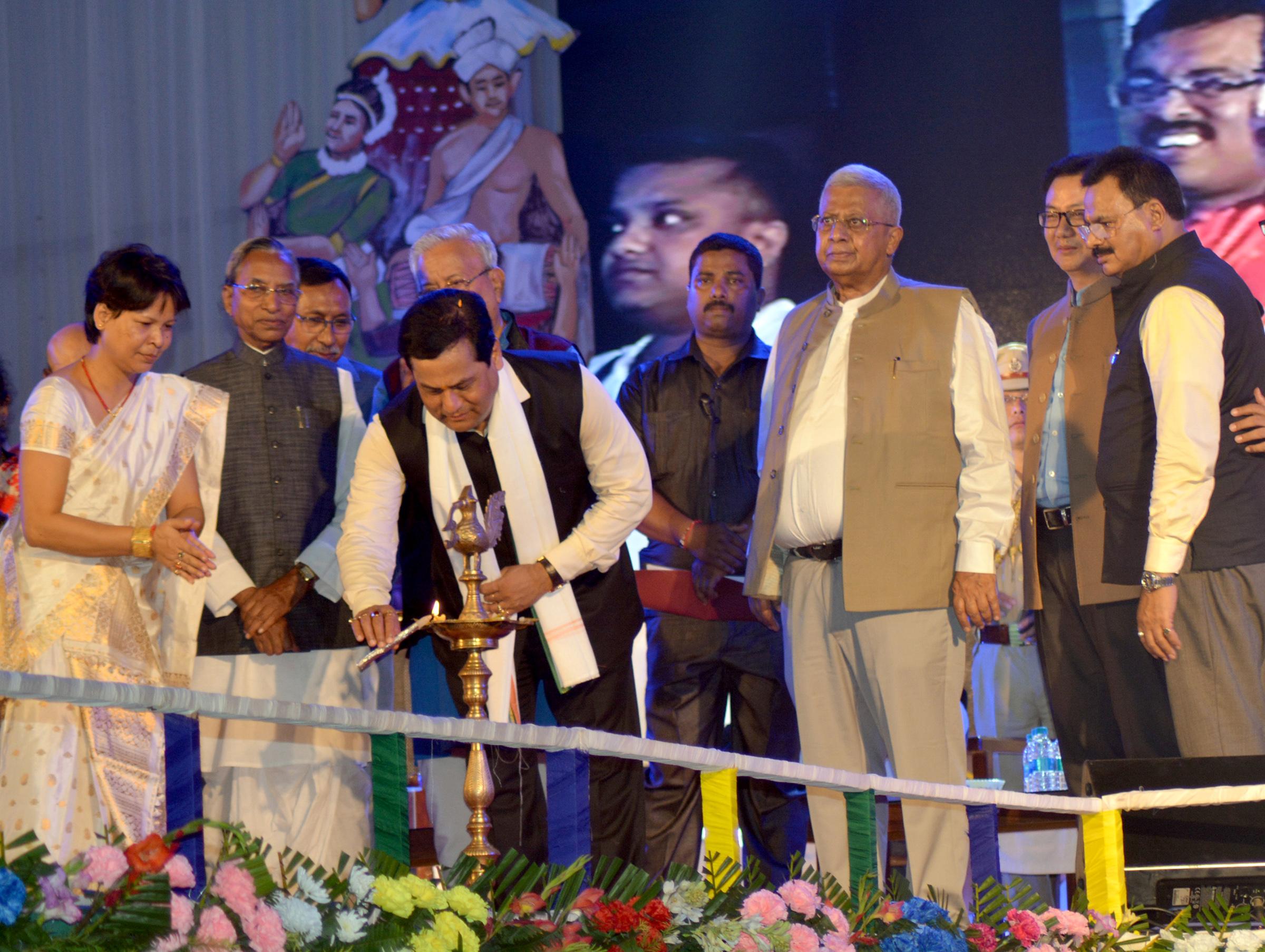 Chief Minister Sarbananda Sonowal along with others dignitaries lighting the inaugural lamp at Silchar on Saturday.