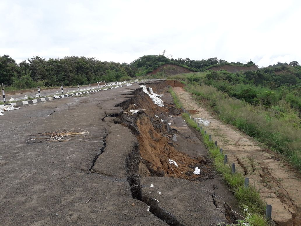The dilapidated East West corridor near Langting under Maibang sub division in Dima Hasao district. File Photo: Northeast Now