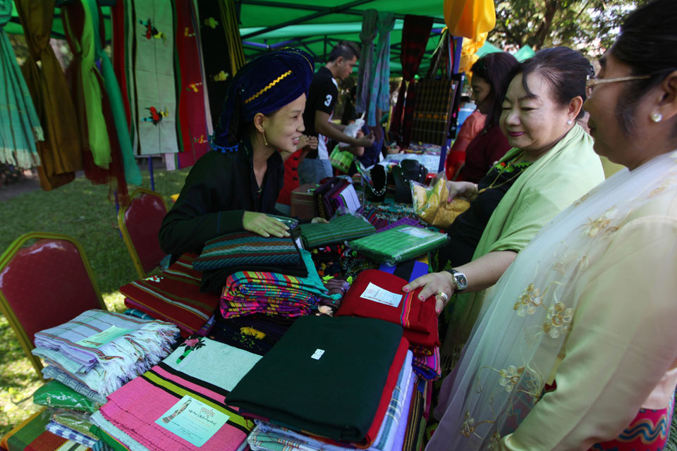 India-Myanmar charity bazaar proceeds for Rakhine rehabilitation 1