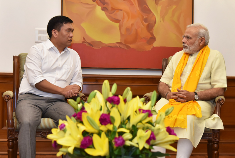 Khandu+Modi