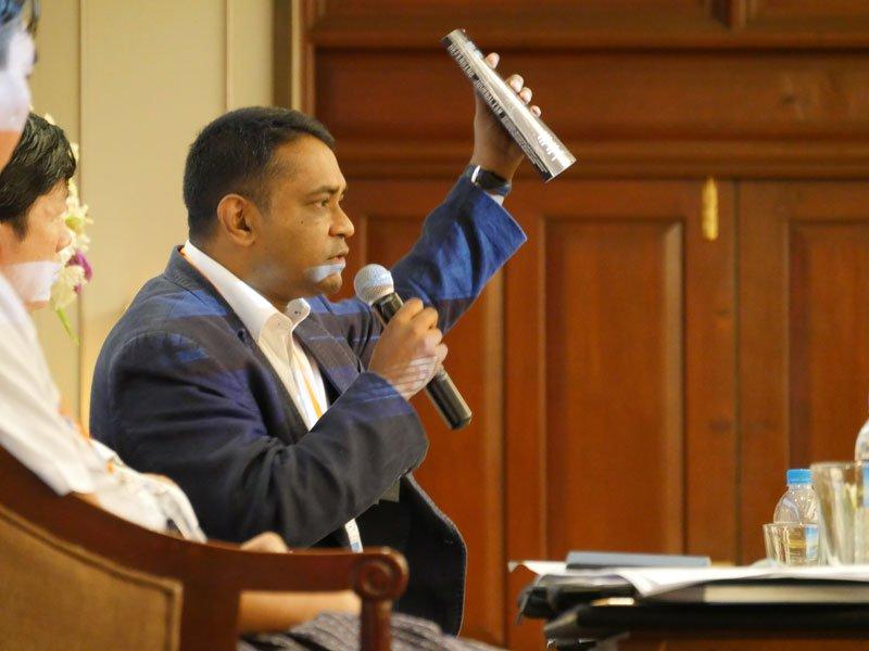 Dr. Ranga Kalansooriya presenting a global study on journalism safety. Photo: Mizzima News