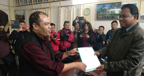 Suspended Congress MLA from Mawsynram constituency PN Syiem submitting resignation letter as member of the ninth Meghalaya Assembly to Assembly Speaker, Abu Taher Mondal at his chamber in old Assembly at Khyndai Lad.
