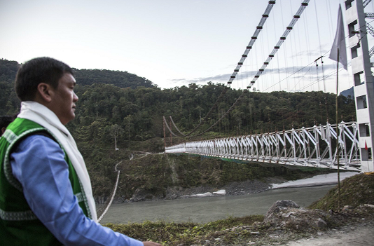 Arunachal CM Pema Khandu inspects Siang River, asks administration to submit detailed report 1