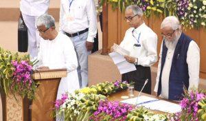 Manik Sarkar takes oath