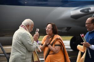 Modi received by NHeptulla