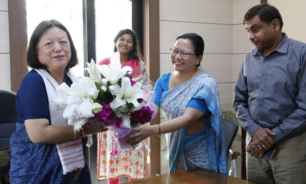 TY Das being felicitated by LS Sweety Changson, Principal Secretary for Home & Political.