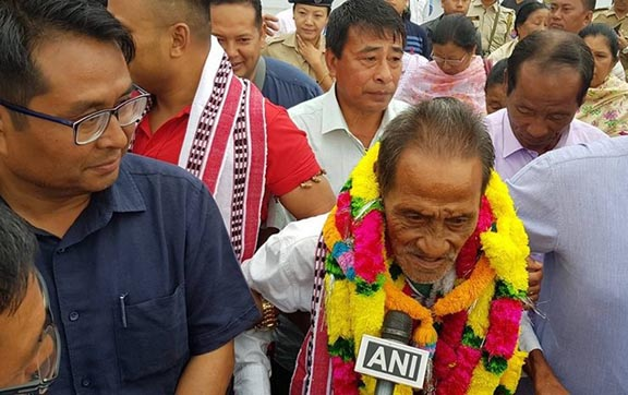 Khomdram Gambhir , who was missing for 40 years, being welcomed in Imphal on his return. NE Now