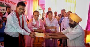 Assam PHE, Food & Civil Supplies Minister Rihon Daimari handing over an ex gratia cheque to the member of a victim's family at Garuajhar in Udalguri on Tuesday.