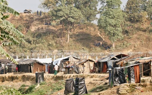 With Myanmar's support, Rohingya family at zero line returns to refugee camp in Rakhine 1