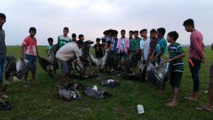 18 vultures found poisoned to death in Sivasagar 1