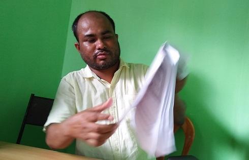 RTI activist and convenor of Swaraj Asom, Bhaben Handique addressing media. Northeast Now