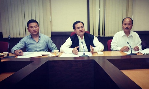 Meghalaya chief electoral officer FR Kharkongor addressing media after the end of Ampati by-poll on May 28, 2018. Photo: Northeast Now