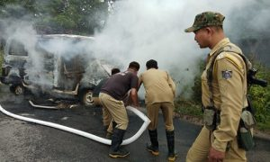 Vehicle set on fire after it injures school child in Kokrajhar 1