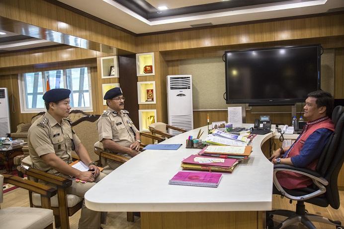 ITBP Inspector General Manoj Singh Rawat  meets Arunachal Pradesh chief minister Pema Khandu at Itanagaron May 17, 2018. Photo: Pranab Kumar Das