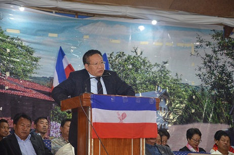 Leader of Opposition TR Zeliang addressing a rally in Wokha town on Thursday. Photo: Northeast Now