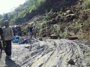 Landslide at stone quarry near Aizawl, kills four 1