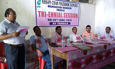 Daial Sylver Kujur, the outgoing secretary of ACMS, Mangaldai branch, addressing the session at Congress Bhawan in Tangla recently. Northeast Now
