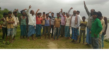 Erosion-affected villagers at Khaloibil in Sonitpur. Northeast Now