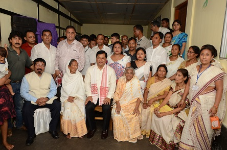 Assam CM Sarbananda Sonowal during his visit to the residence of Swahid Kushal Konwar located at Gandhkoroi in Sarupathar on June 15, 2018. Photo: Northeast Now