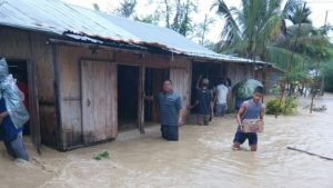 Mizoram: Major landslide at Serchhip near NH 54 2