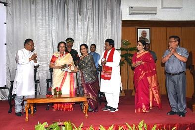 Manipur Governor Dr Najma Heptulla releasing DVD on five types of Raas Leela of Manipur at Durban Hall, Raj Bhavan on June 9, 2018. Photo: Sobhapati Samom