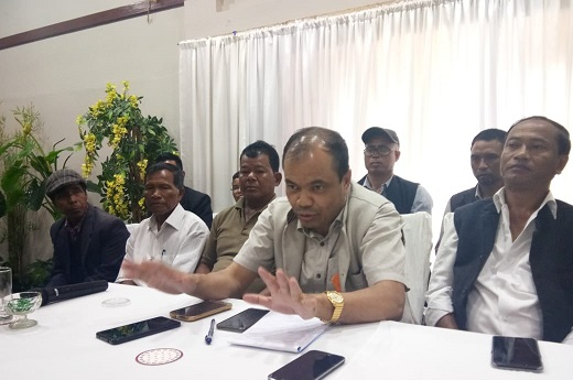 People's Democratic Front (PDF) leader P N Syiem addressing a meeting with leaders of various political parties based in Ranikor constituency on June 28, 2018. Photo: Northeast Now