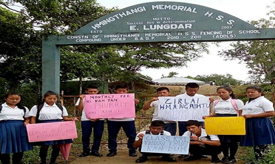HS Schools students in Mizoram demanding ad hoc status to their schools by the government. File Photo: Sangzuala Hmar