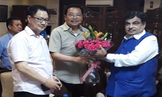 File photo of Arunachal Pradesh Dy CM Chowna Mein along with MoS Home Kiren Rijiju calling on MoRTH minister Nitin Gadkari in New Delhi on July 27, 2018. Photo: Damien Lepcha