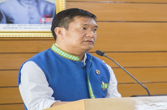 Arunachal Pradesh CM Pema Khandu addressing BJP legislature party meet at Itanagar on August 29, 2018. Photo: Northeast Now