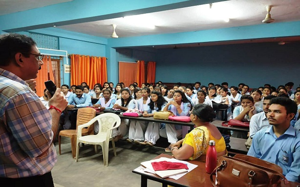 An interaction with the college students and NSS volunteers on Life for Pledge campaign at Guwahati on August 24, 2018. Photo: Northeast Now