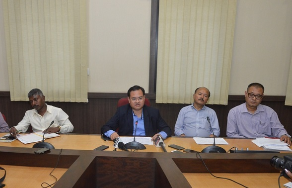 Meghalaya Chief Electoral Officer, F R Kharkongor addressing a press conference at the Conference Hall of Main Secretariat in Shillong on August 23, 2018. Photo: Northeast Now.