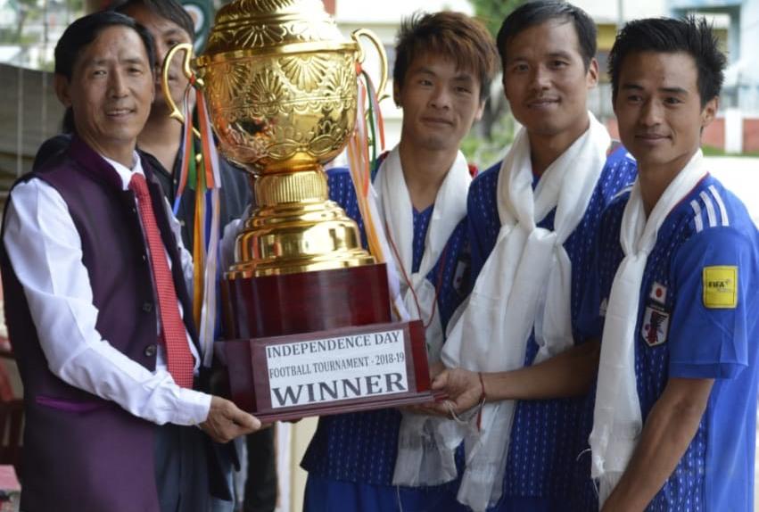 Sera Football Club (SFC)  team receiving the trophy. Image: Northeast Now