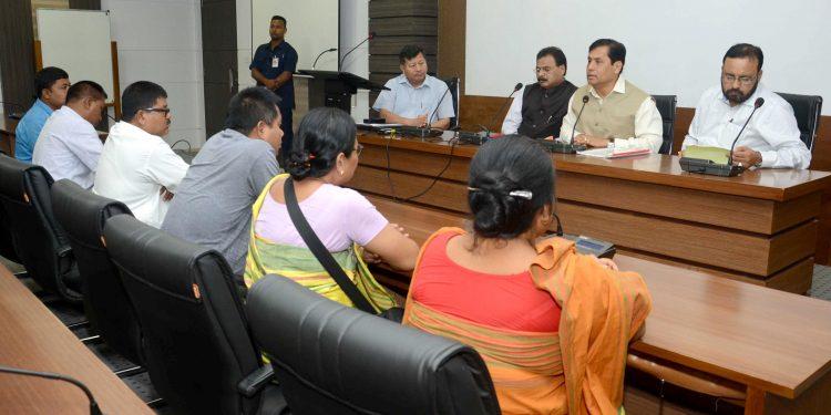 26-09-18 Guwahati-CM meeting AKRSU (2)