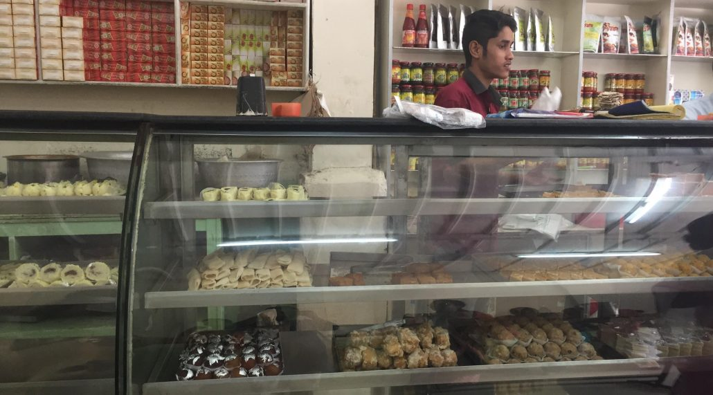 A visit to Fancy Bazar is incomplete without trying samosa in Laxmi Cabin 2