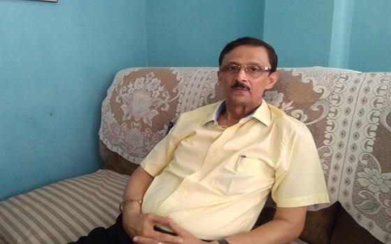 Founder president of ACKHSA Pradip Dutta Roy calls for arrest and dismissal of Assam state NRC coordinator Prateek Hajela in Silchar on Thursday. Photo: Aparna Laskar