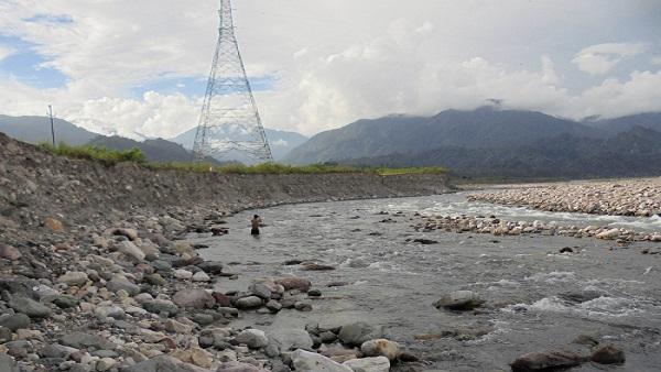 Sike river flowing down between Ayeng and Mebo in Arunachla Pradesh taking serious turn on its right bank. Photo: Prafulla Kaman