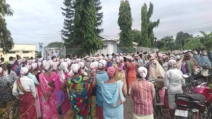 Tea tribe protest