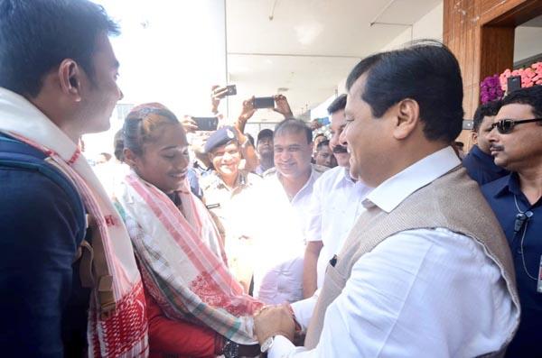 Assam's golden girl Hima arrives in Guwahati 1