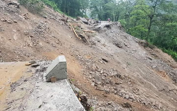Rain triggers landslides in North Sikkim, road links snapped 1
