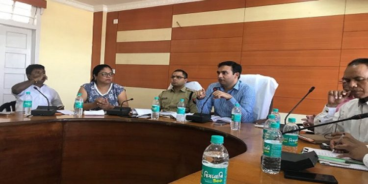 Hailakandi DC (2nd from right) discussing the issue of bonus for the tea garden workers for the ensuing Durga Puja at a meeting with the tea workers' union, tea associations and tea garden management on Thursday. Photo: Rahul Chakraborty