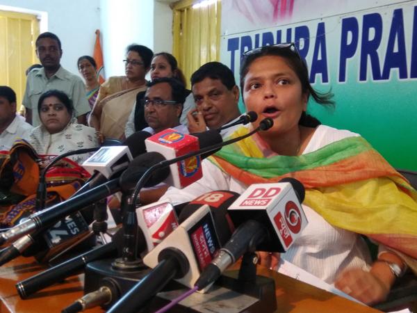 Susmita Deb addressing media in tripura