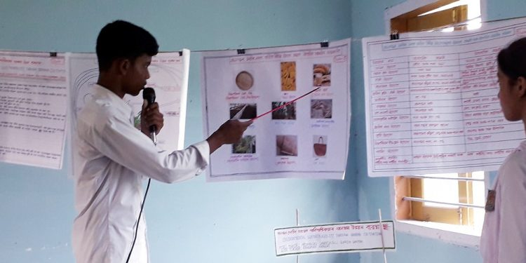 Children scientists busy in their presentation of their models in Mangaldai. Photo: Northeast Now