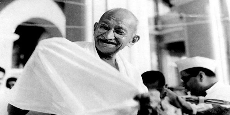 Mahatma_Gandhi_laughing