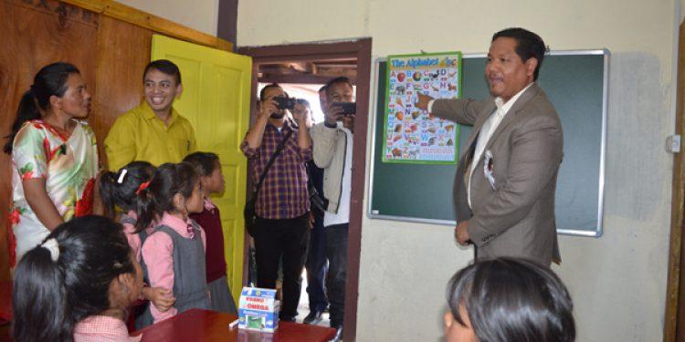 CM ADOPT SCHOOL IN WEST KHASI HILLSCM ADOPT SCHOOL IN WEST KHASI HILLS