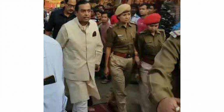 Reliance Chairman Mukesh Ambani lands in Guwahati; visits Kamakhya temple