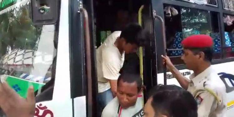 Dokmoka lynching accused being taken to Court in Nagaon.  (File photo)