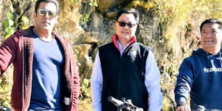 Actor Salman Khan, union minister Kiren Rijiju and Arunachal CM Pema Khandu during Mechuka festival last year. Photo: Northeast Now