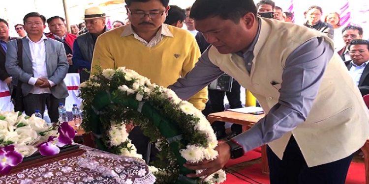 Arunachal CM Pema Khandu paying homage to Late Nabam Runghi on Tuesday. Photo: Damien Lepcha