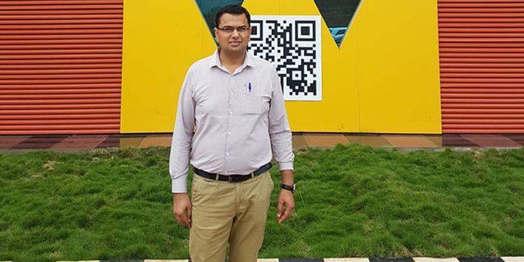 Dr Dinesh Bhatia