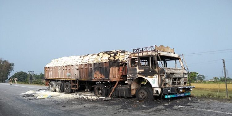 One person died and three others seriously injured when bandh supporters set a truck  on fire at the NH-31 (C) near Kolabari village under Serfanguri PS in Kokrajhar district at around 11 pm on Tuesday. Photo: Rinoy Basumatary